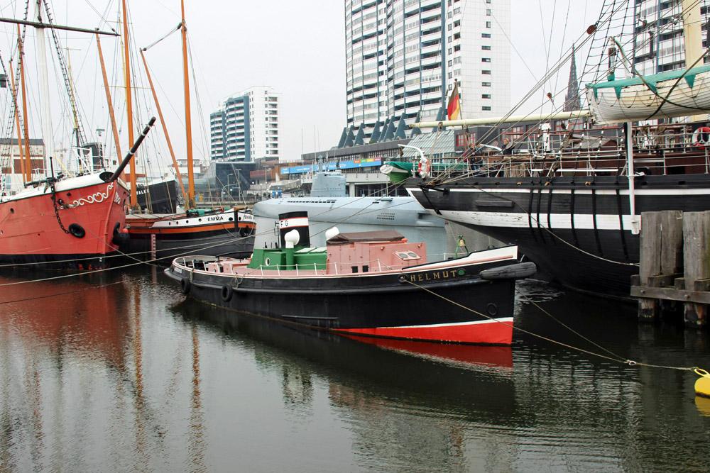 Auch Segel- und Dampfschiffe liegen im Museumshafen von Bremerhaven