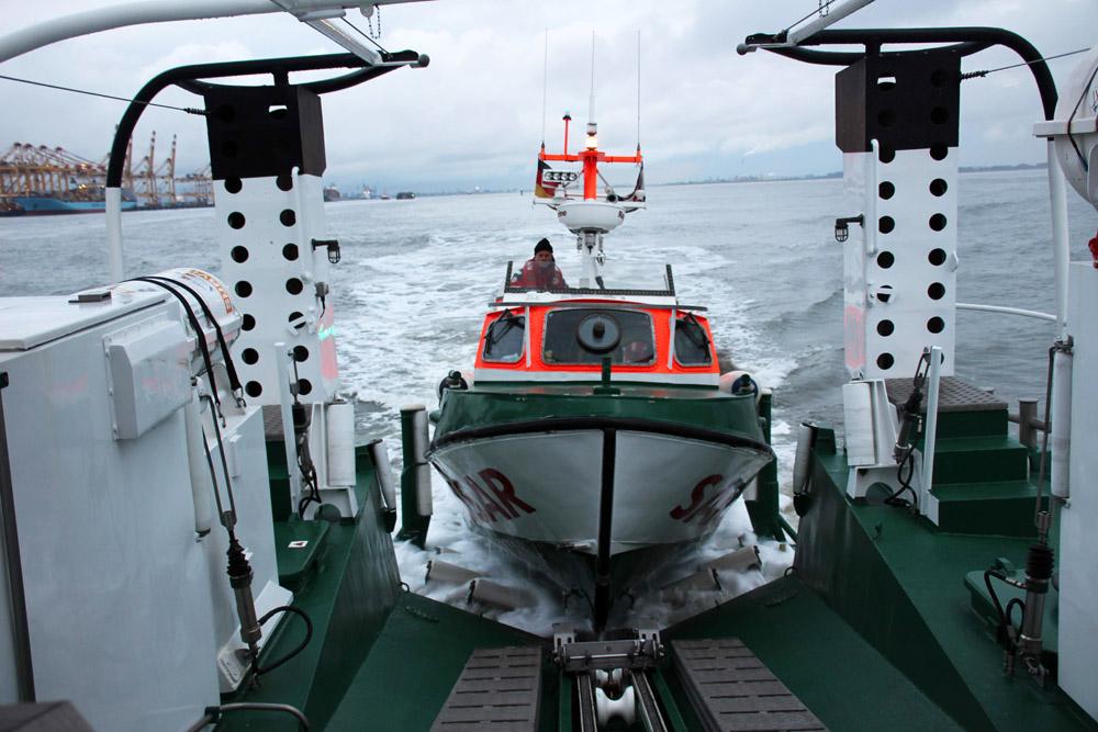 Auch das Tochterboot des Seenotrettungskreuzers kam zum Einsatz