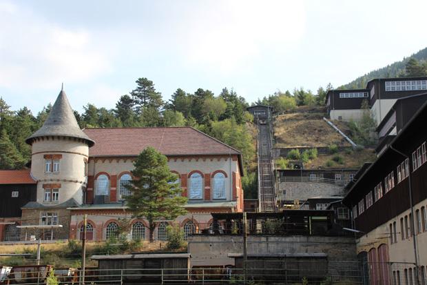 Der Schrägaufzug mit der 1905 errichteten Kraftzentrale