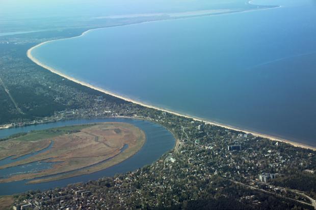 Jurmala bei Riga in Lettland mit Majori und der Ostsee aus der Luft