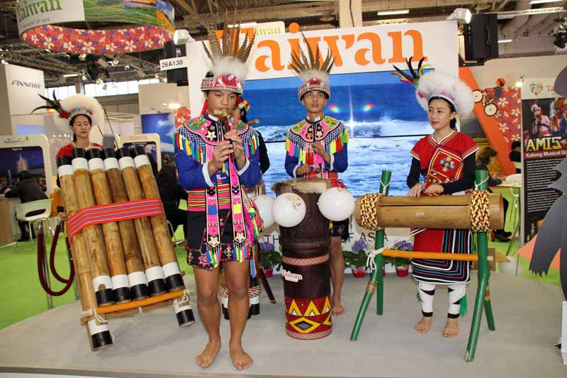 Taiwan bot auf der ITB farbenfrohe Folklore