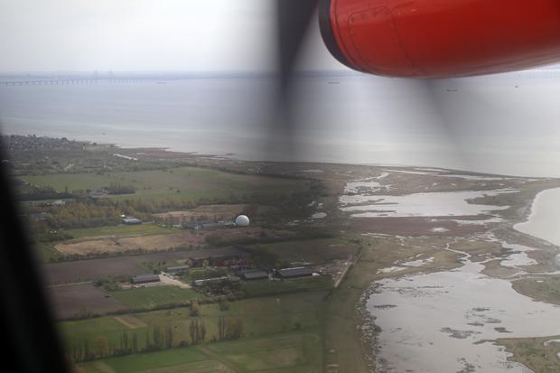 Kurz vor der Landung in Kopenhagen ist bereits die Öresundbrücke zu erkennen