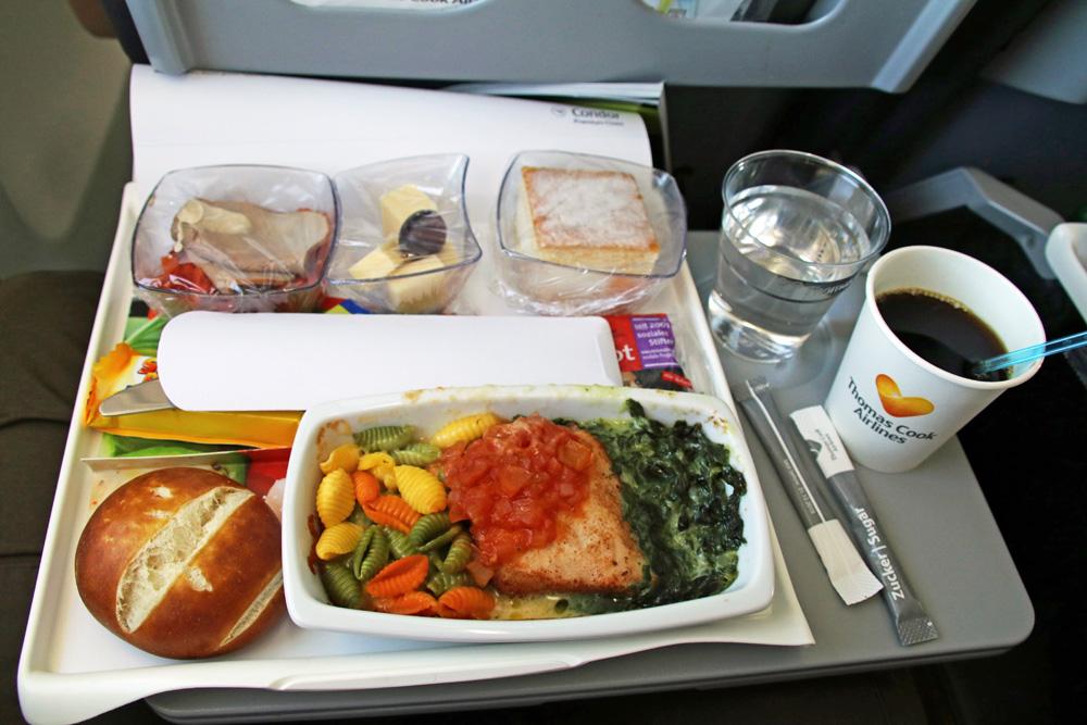 Das Essen bei Condor auf einem Flug nach Zypern hat mir gut geschmeckt