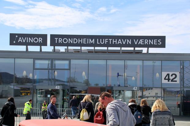 Terminal des Flughafens von Trondheim