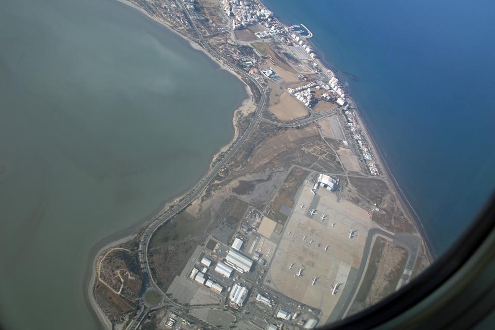 Eine letzte Schleife über dem Flughafen von Larnaka