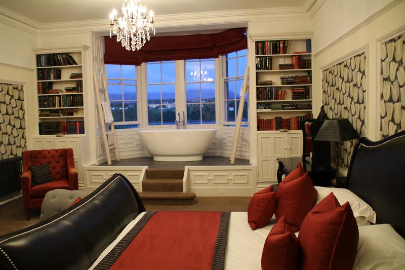 Eines der besseren Zimmer im Chateau Rhianfa