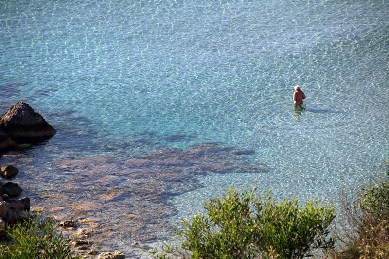 Kristallklar ist das Wasser in der Fig Tree Bay auf Zypern