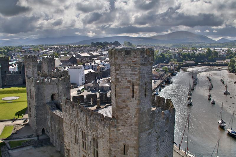 Rund um das Caernarfon Castle in Wales gibt es viel zu sehen