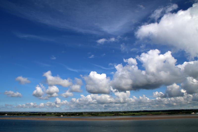 Unendlicher Horizont über der Insel Anglesey