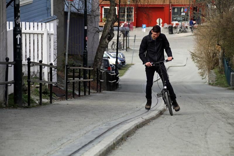 Der Stadtteil Bakklandet in Trondheim in Norwegen mit dem Fahrradlift