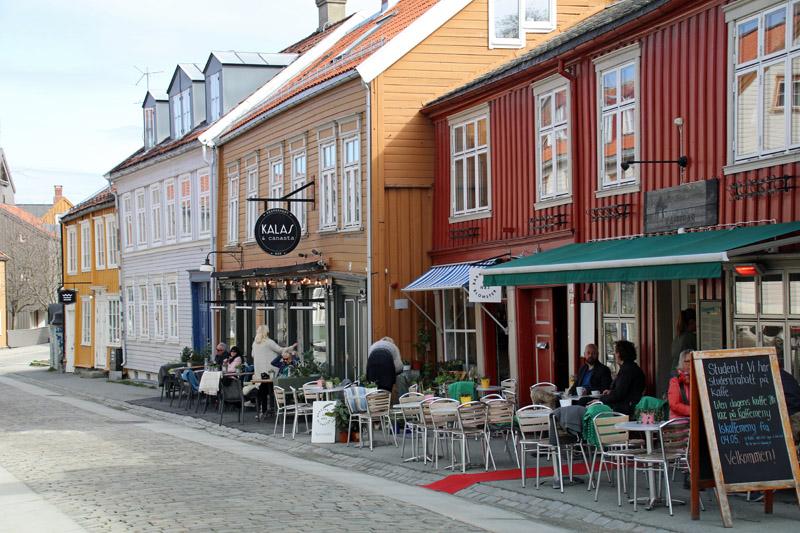Der Stadtteil Bakklandet in Trondheim in Norwegen
