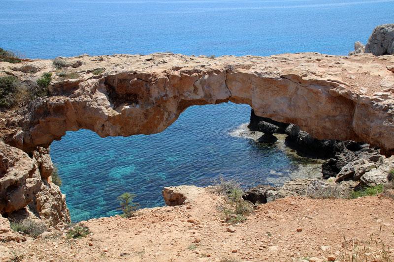 Bietet diese Steinbrücke auf Zypern nicht ein tolles Fotomotiv?