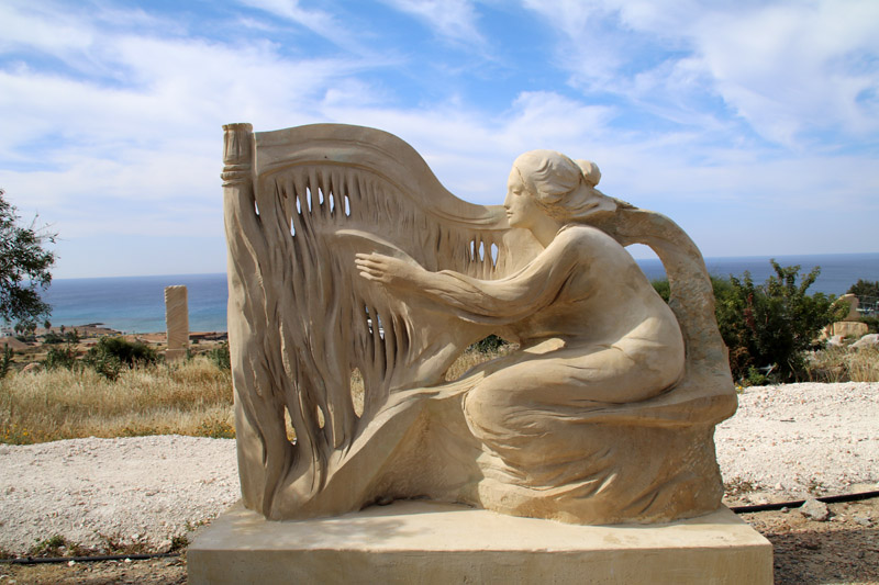 Zahlreiche moderne Skulpturen sind im Skulpturenpark von Ayia Napa auf Zypern zu sehen