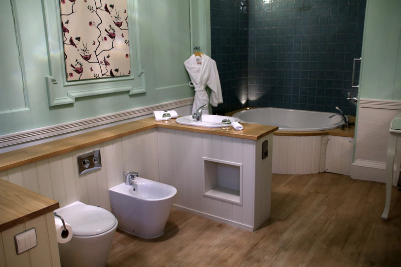 Badezimmer im Pink Room