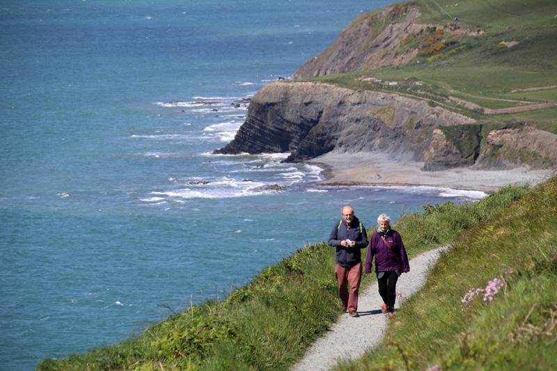 Zum Wandern finden sich vor allem an der Küste in Wales unzählige Gelegenheiten