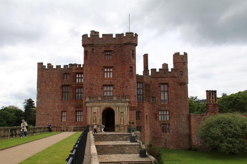 Außenansicht von Powis Castle