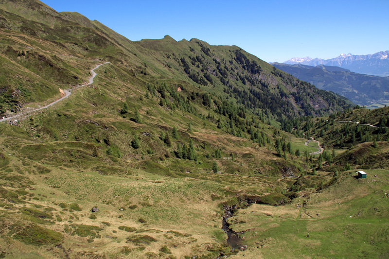 Nach wenigen Minuten ist man mit der Seilbahn am Kitzsteinhorn oberhalb der Baumgrenze