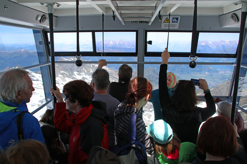 Hinauf in eine andere Welt fährt die Seilbahn am Kitzsteinhorn