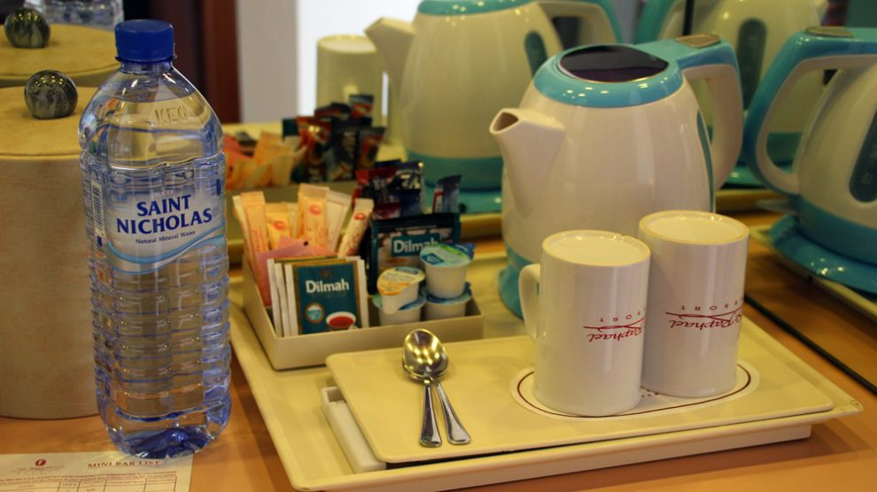 Die Zimmer im Hotel auf Zypern sind mit einem Wasserkocher ausgestattet