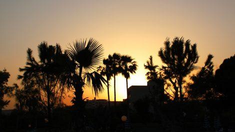 Wenn abends die Sonne vor dem St Raphael Resort in Limassol auf Zypern, ist die Stimmung eine ganz besondere