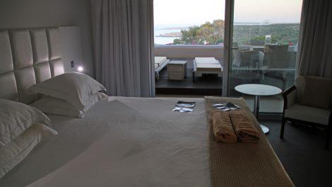 Mit einer solchen Aussicht aus dem Bett lässt es sich hervorragend in den Tag starten. Entstanden ist das Foto in meinem Hotel, dem Grecian Park in Ayia Napa auf Zypern