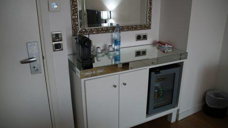 Natürlich verfügte die Suite im Grecian Park Hotel bei Ayia Napa auf Zypern auch über eine Bar