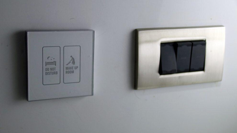 Der Roomservice im Hotel kann auf Knopfdruck bestellt werden