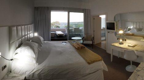 Platz satt hatte ich in der 38 Quadratmeter Suite des Hotels Grecian Park bei Ayia Napa auf Zypern