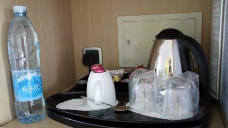 Wenn in einem Hotelzimmer ein Wasserkocher wie hier auf Zypern im Hotel Grecian Park vorhanden ist, bin ich glücklich