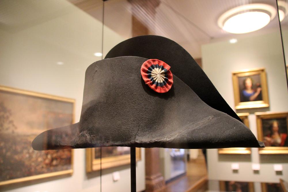 Zweispitz Hut von Napoleon, der er bei der Schlacht von Waterloo getragen haben soll. Ausgestellt im Deutschen Historischen Museum in Berlin