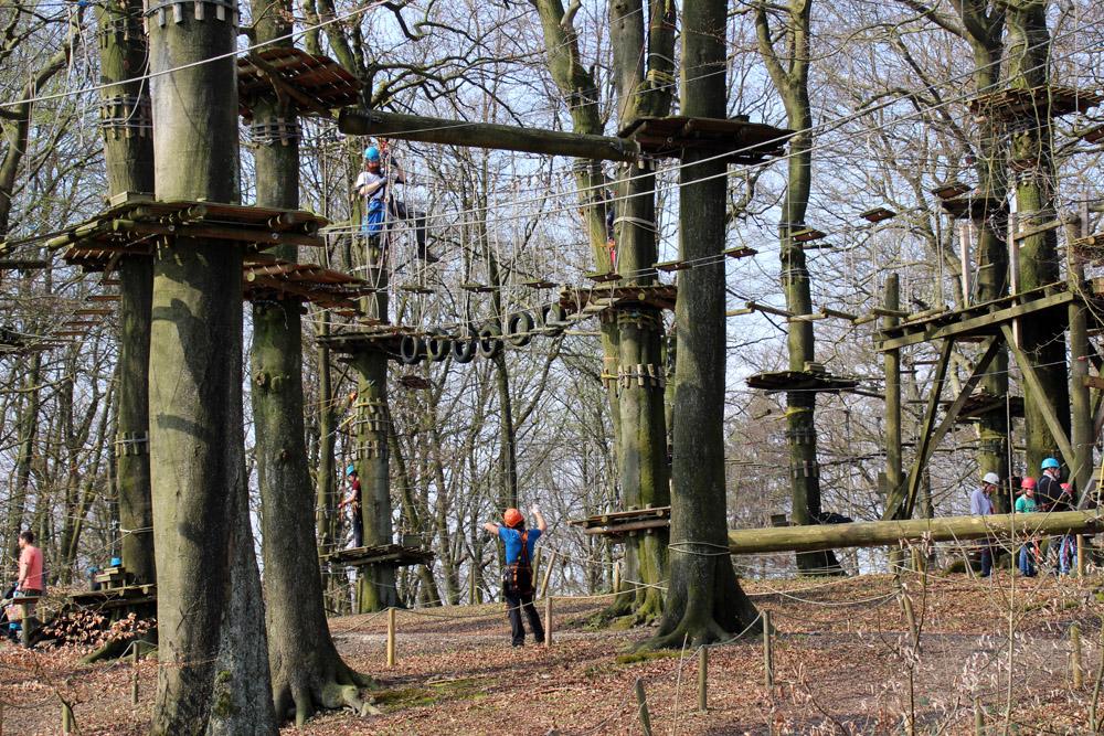 Der Teuto Kletterpark in detmold befindet sich in unmittelbarer Nachbarschaft zum Hermannsdenkmal