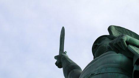 Das Hermannsdenkmal mit Schwert