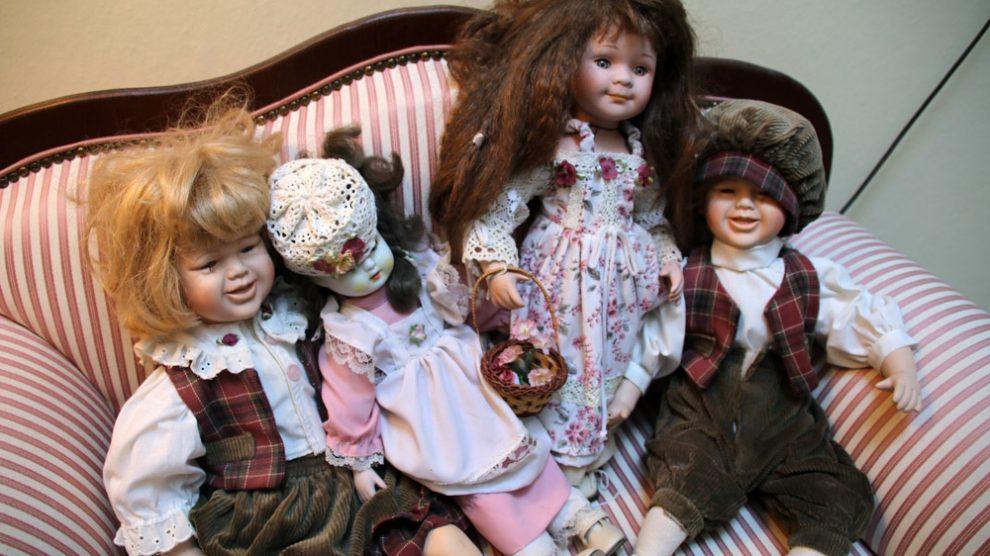 Im Landhotel Haus Weber sind überall Puppen zu finden