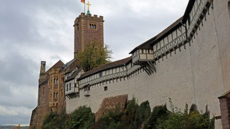 An der Wartburg starten wir unsere Wanderung auf dem Lutherweg in Thüringen