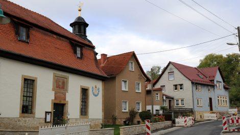 Beim Lutherweg wandern kommt man an der Kirche in Spichra vorbei