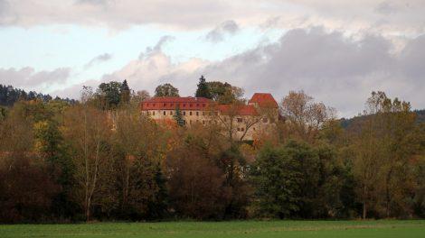 Die Creuzburg im Licht der untergehenden Sonne