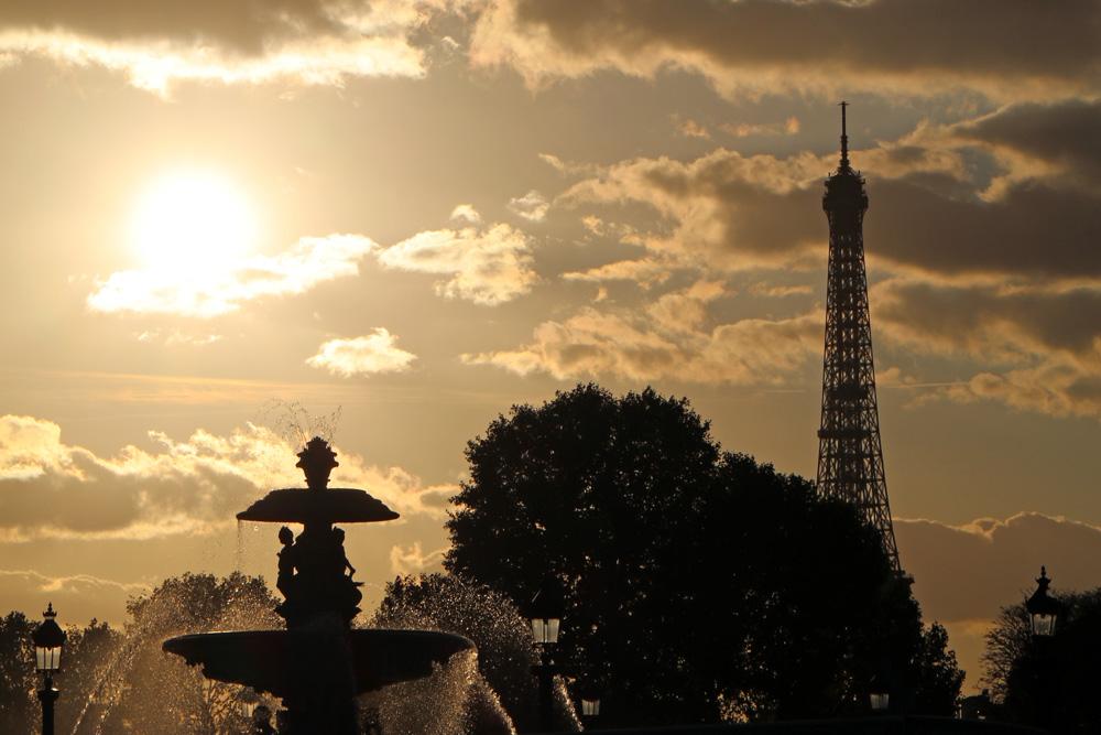 Sonnenuntergang am Place de la Concorde in Paris