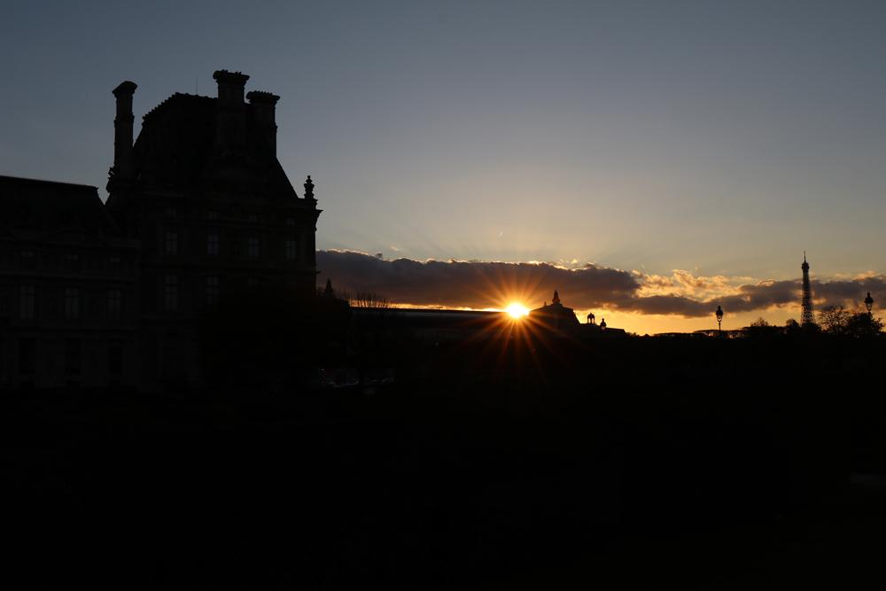 Dass es im Herbst früher dunkel wird, ist ein Grund, der dafür spricht, Paris zu dieser Jahreszeit zu besuchen