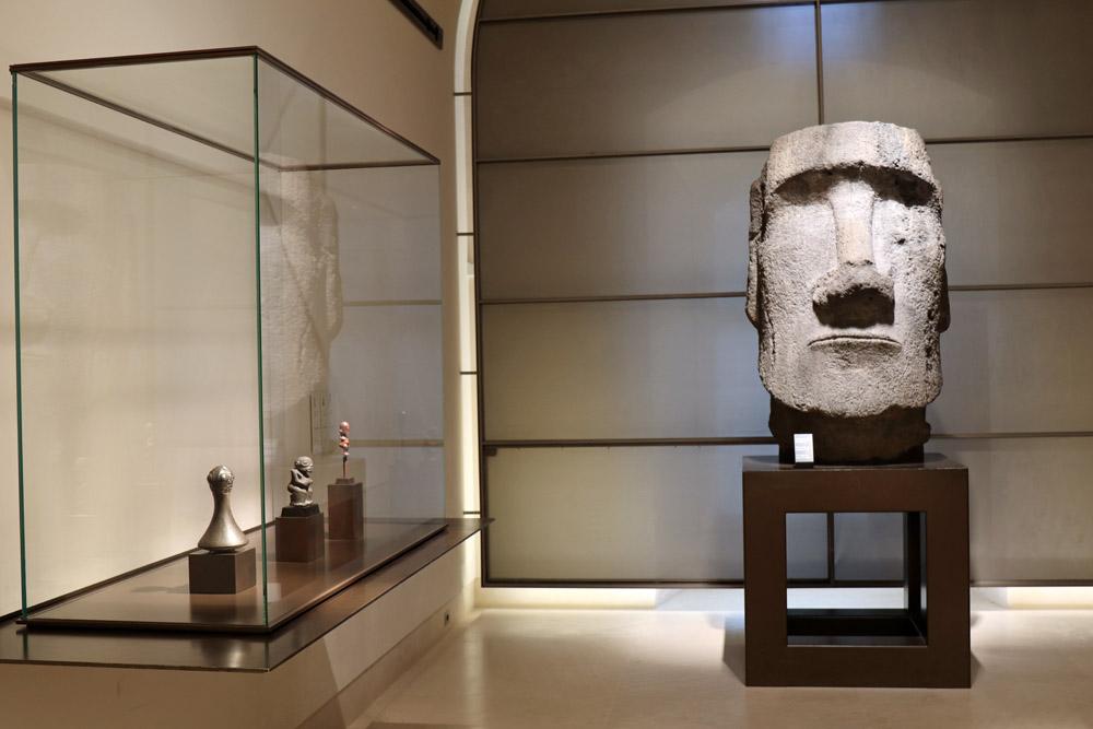 Statue von den Osterinseln im Louvre