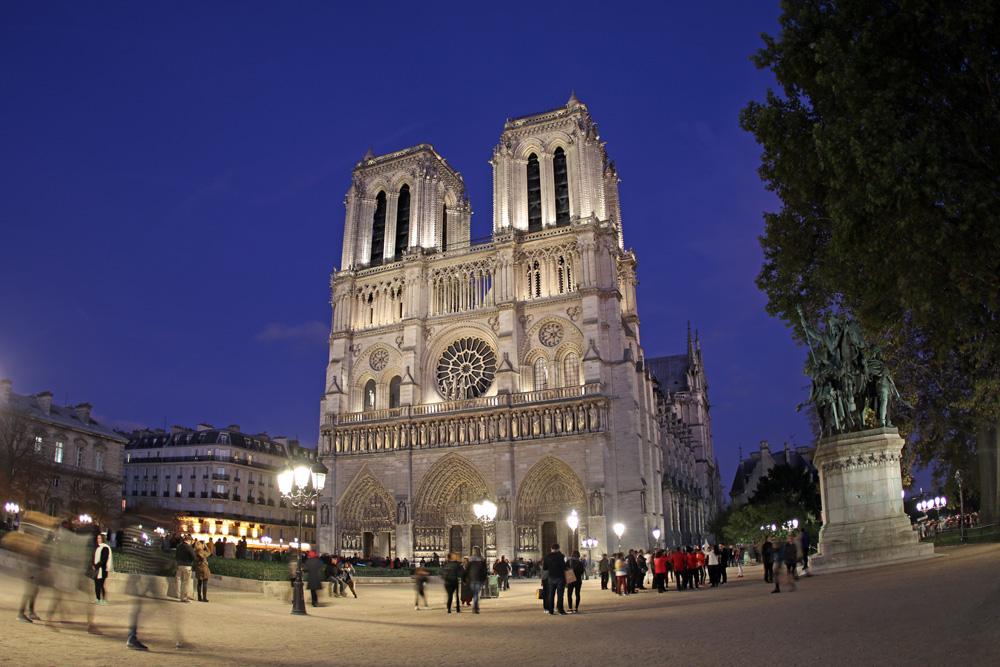 Wie das Wetter ist, spielt für einen Besuch der Kathedrale Notre Dame keine Rolle