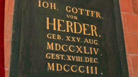 Grab von Herder in der Herderkirche in Weimar