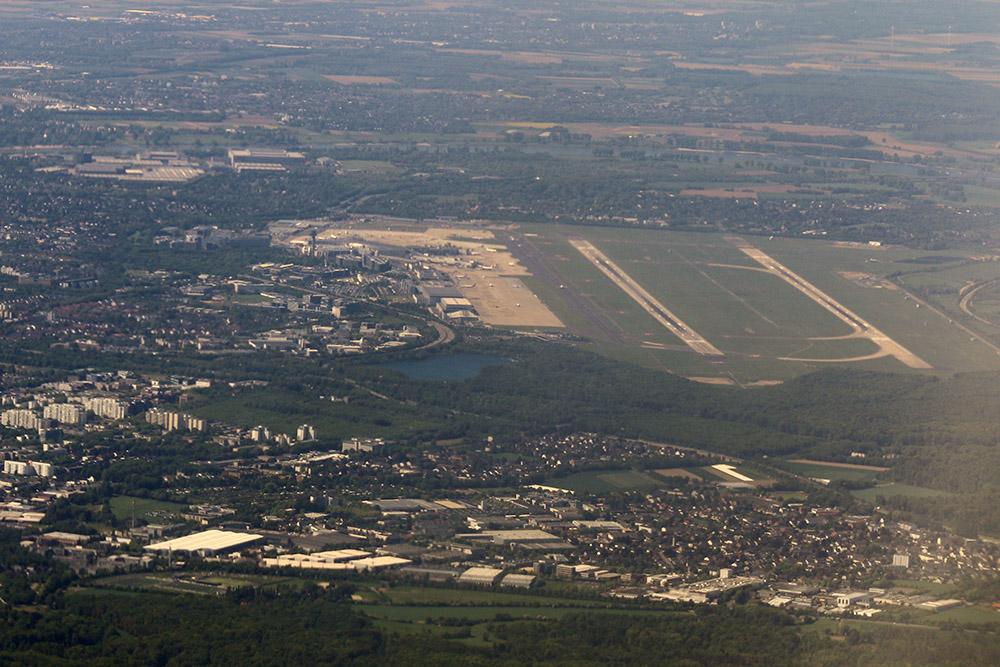 Flughafen Düsseldorf Airport Landebahn