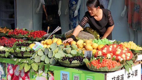 Markt in China mit Obst