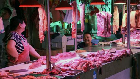 Markt in China mit Fleisch