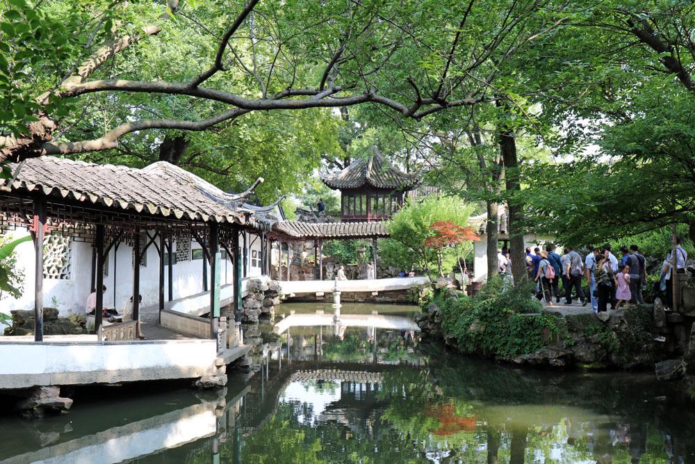 Die Elemente des chinesischen Gartens im Garten des bescheidenen Beamtens in Suzhou China sind nach dem Prinzip des Feng Shui angelegt