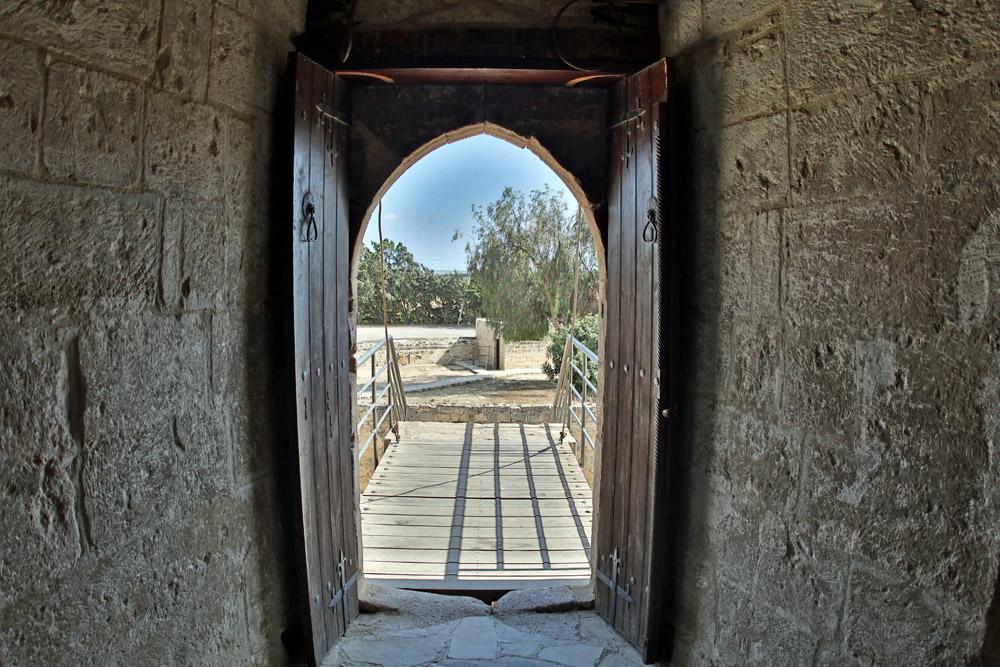 Zugbrücke am Eingang der Burg Kolossi auf Zypern