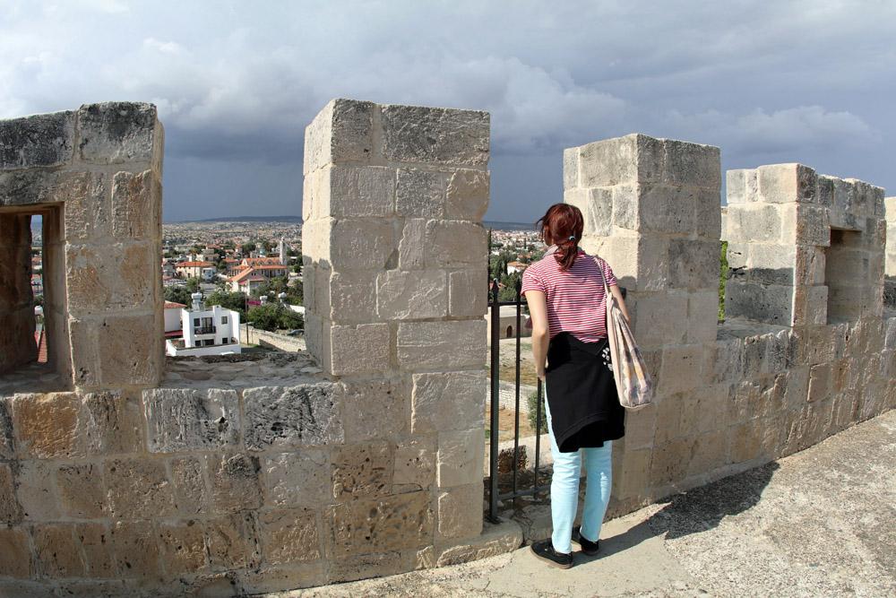Von der Burg Zypern Kolossi hat man eine hervorragende Aussicht