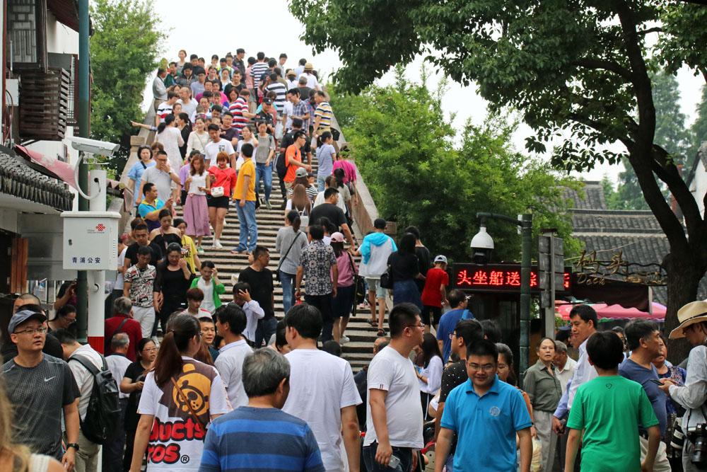 Durch die Nähe zu Shanghai kann es oft voll werden