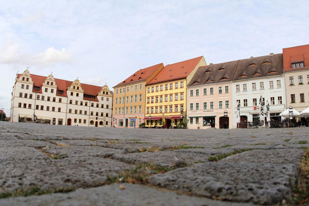 Bei einem Ausflug nach Torgau gehört ein Besuch auf dem Marktplatz zum Pflichtprogramm
