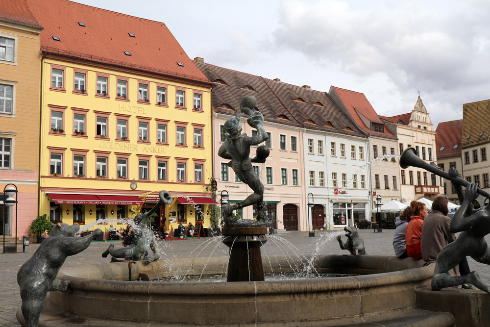 Mit dem Brunnen auf dem Marktplatz kommt fast etwas italienisches Flair in Torgau auf